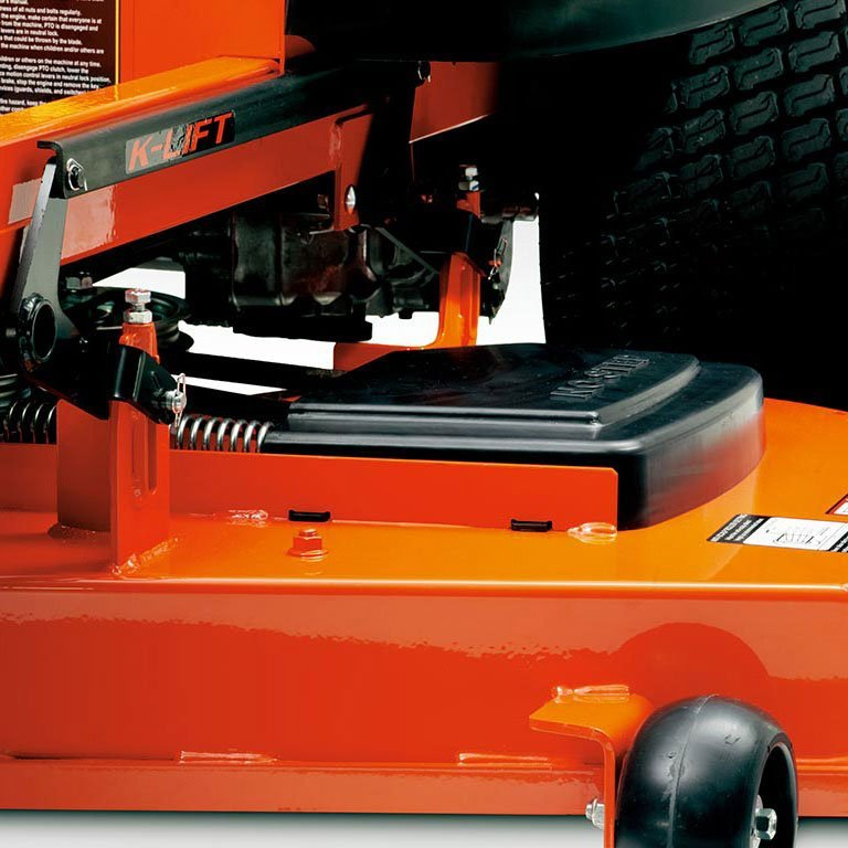 Kubota Z100 Series Zero Turn Mower Picture